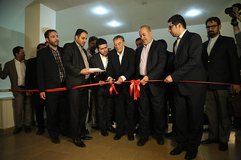 Huldigung_an_Hafez_Teheran-4